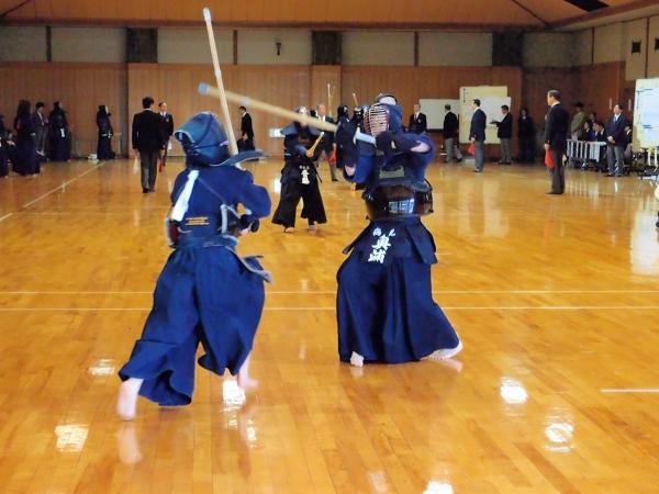 試合の様子 県女子剣道大会